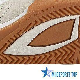 Suela de zapatillas de squash