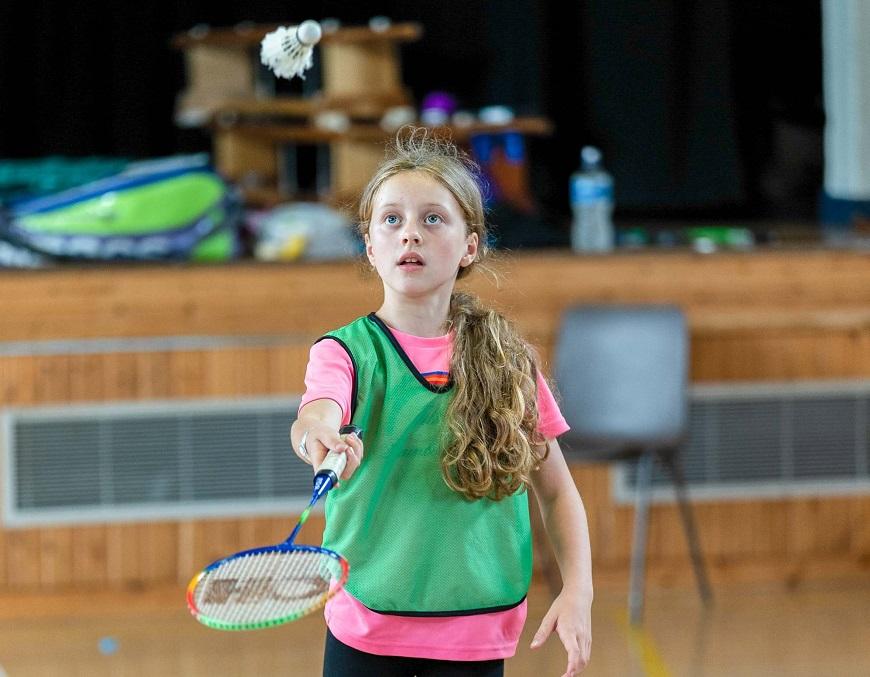 Como jugar bien al badminton ejercicios de entrenamiento